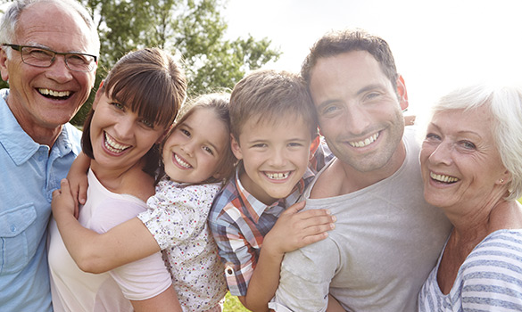 photo of a happy family - victory addiction recovery center - lafayette louisiana drug and alcohol addiction treatment center - alcohol and drug detox facility - addiction recovery center