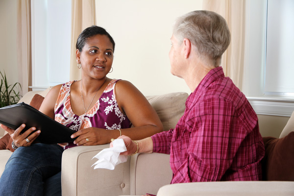Victory-Addiction-Recovery-Center-Treating-Clients-with-Dignity-and-Respect - therapist with client